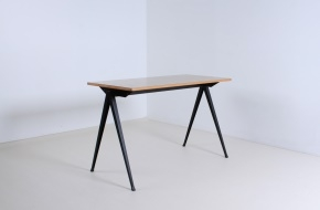 voor-pyr-table