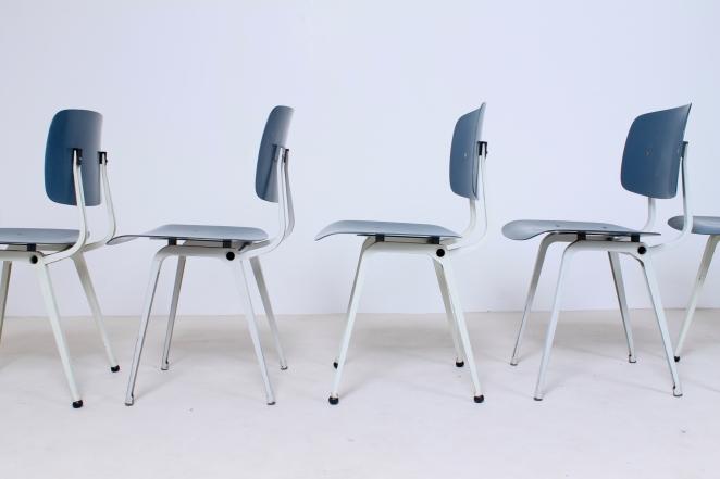 Hollandsk-halvtredserne-stole-industrielt-design-møbler-sedie-disegno-stolar-friso-kramer-femtiotalet-ahrend-utformning-vintage-chairs-retro1