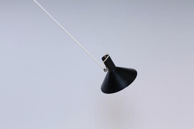 anvia-counter-balance-small-pendant-black-white-ceiling-light-adjustable-hoogervorst-dutch-desing-vintage-industrial-10