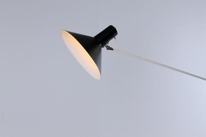 anvia-counter-balance-small-pendant-black-white-ceiling-light-adjustable-hoogervorst-dutch-desing-vintage-industrial-3
