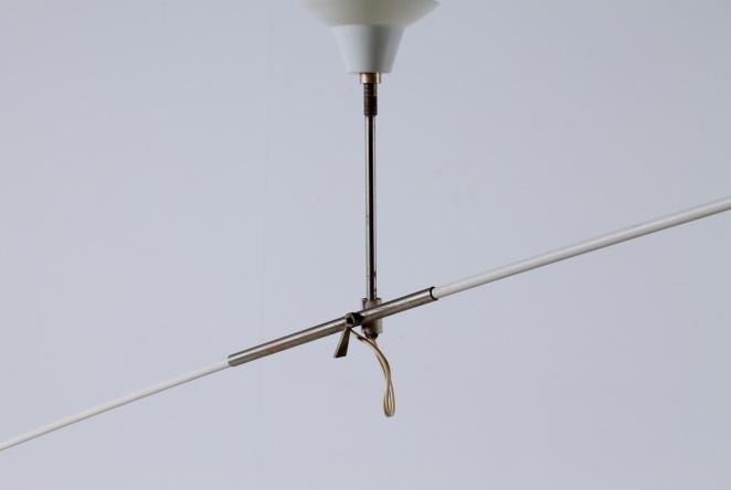 anvia-counter-balance-small-pendant-black-white-ceiling-light-adjustable-hoogervorst-dutch-desing-vintage-industrial-6