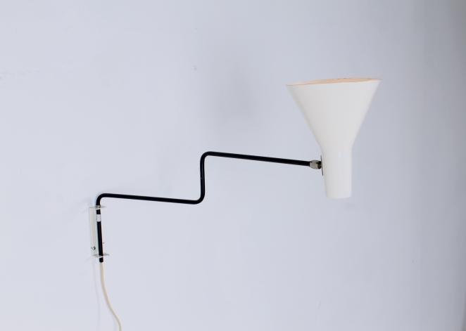 anvia-elbow-cencity-71-01-paperclip-wall-light-blue-white-hoogervorst-midcentury-lighting-vintage-4