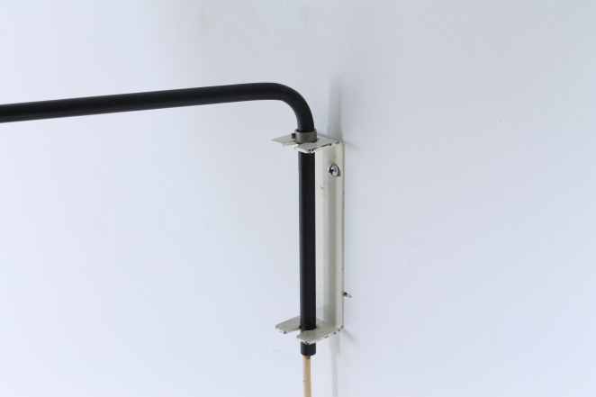 anvia-elbow-cencity-71-01-paperclip-wall-light-blue-white-hoogervorst-midcentury-lighting-vintage-7