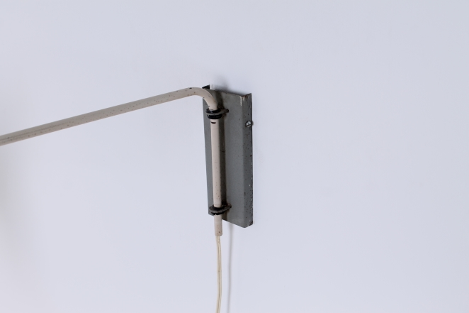 anvia-grey-adjustable-wall-light-panama-shade-swinging-arm-fifties-dutch-design-modernist-metal-minimal-5