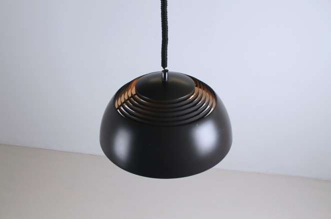 arne-jacobsen-aj-royal-brown-sas-hotel-vintage-pendant-light-louis-poulsen-design-denmark-danish-fifties-lighting-3
