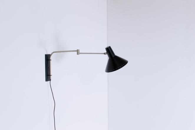 artimeta-black-adjustable-wall-light-elbow-swinging-arm-metal-fiedeldij-dutch-vintage-lighting-cencity-1