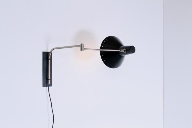 artimeta-black-adjustable-wall-light-elbow-swinging-arm-metal-fiedeldij-dutch-vintage-lighting-cencity-2