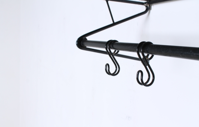 artimeta-soest-black-coat-rack-wall-console-fiedeldij-mategot-metal-perforated-fifties-dutch-french-design-4
