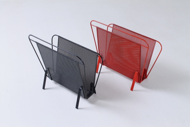 artimeta-soest-magazine-rack-holder-stand-mategot-product-fiedeldij-design-pilastro-style-perforated-metal-2