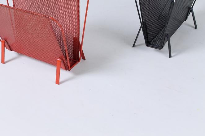 artimeta-soest-magazine-rack-holder-stand-mategot-product-fiedeldij-design-pilastro-style-perforated-metal-5