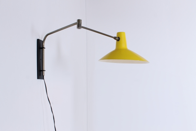 artimeta-yellow-asymmetrical-shade-fifties-wall-light-dutch-design-vintage-retro-cencity-lighting-midcentury-modern-3