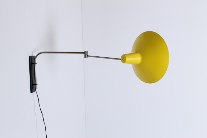 artimeta-yellow-asymmetrical-shade-fifties-wall-light-dutch-design-vintage-retro-cencity-lighting-midcentury-modern-6