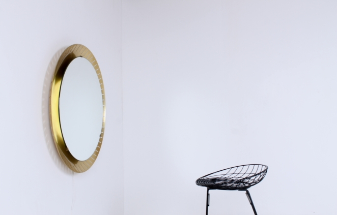 back-lit-mirror-brass-circular-round-perforated-metal-light-source-mategot-artimeta-style-midcentury-vintage-spiegel-verlichting-large-giant-xl-barber-3