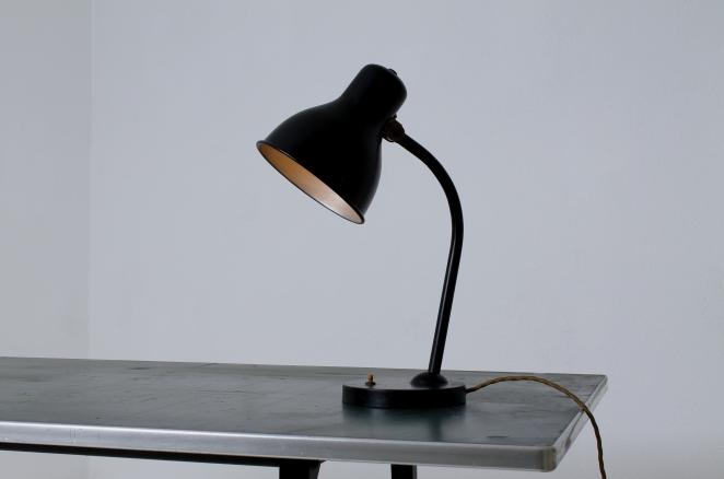 bauhaus-desk-light-hala-kaiser-sis-style-black-pre-war-2