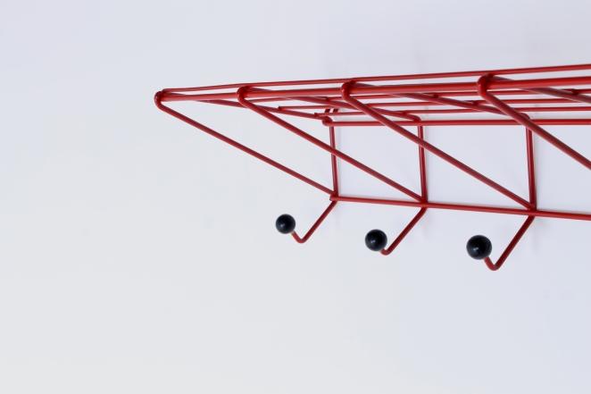 coat-rack-design-friso-kramer-nieuw-deurne-dh05-red-t-spectrum-fifties-1954-dutch-hat-shelve-industrial-vintage-4