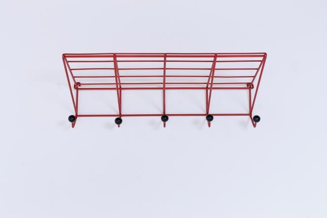 coat-rack-design-friso-kramer-nieuw-deurne-dh05-red-t-spectrum-fifties-1954-dutch-hat-shelve-industrial-vintage-5
