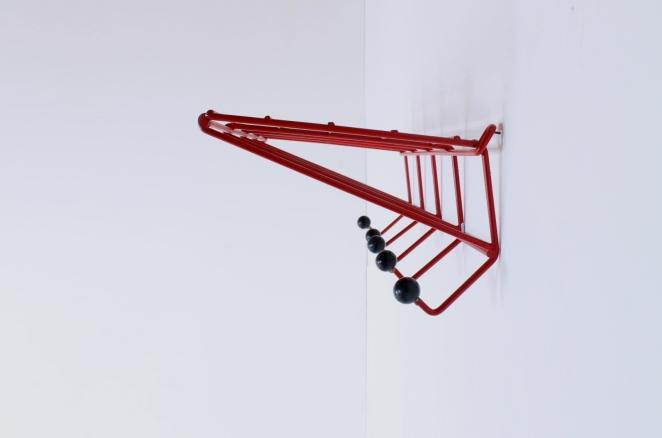 coat-rack-design-friso-kramer-nieuw-deurne-dh05-red-t-spectrum-fifties-1954-dutch-hat-shelve-industrial-vintage-7