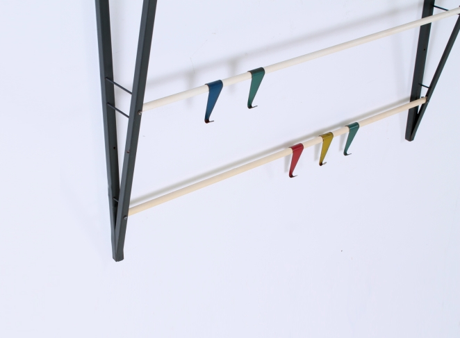 coat-rack-fifties-colorful-hooks-design-dutch-pilastro-tomado-coen-de-vries-jazz-culture-2