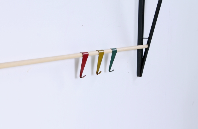 coat-rack-fifties-colorful-hooks-design-dutch-pilastro-tomado-coen-de-vries-jazz-culture-4