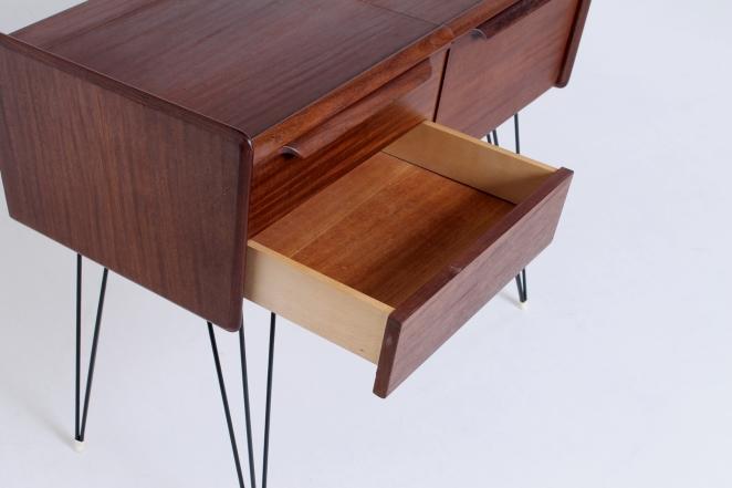 coiffeuse-meubles-table-de-nuit-toilettentisch-sminkbord-dressing-table-fifties-vintage-design-femtiotalet-fünfziger-jahre-halvtredserne-kommode-byrå-habilleur-2