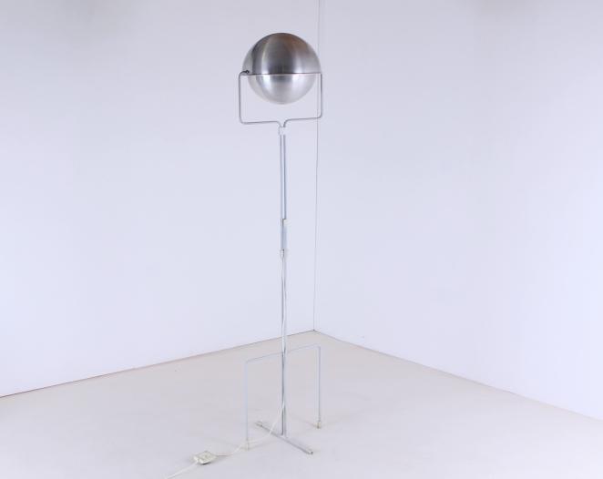 eclisse-jelles-1st-old-edition-retro-sixties-space-design-d-2017-d2017-modernist-architect-futuristic-dutch-vintage-design-floor-light-aluminium-metal-10