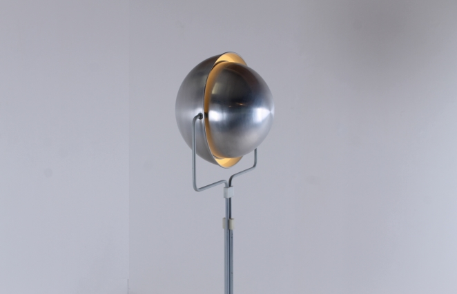 eclisse-jelles-1st-old-edition-retro-sixties-space-design-d-2017-d2017-modernist-architect-futuristic-dutch-vintage-design-floor-light-aluminium-metal-12
