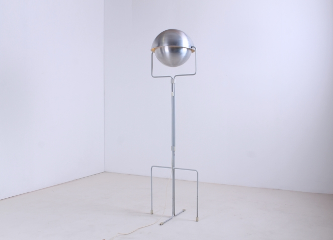 eclisse-jelles-1st-old-edition-retro-sixties-space-design-d-2017-d2017-modernist-architect-futuristic-dutch-vintage-design-floor-light-aluminium-metal-4