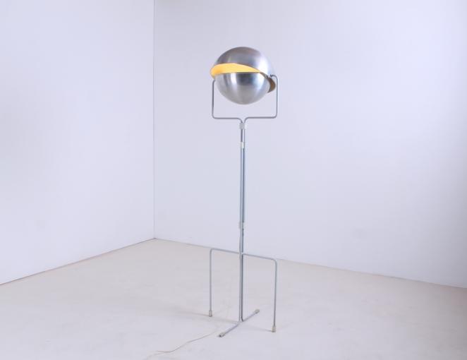 eclisse-jelles-1st-old-edition-retro-sixties-space-design-d-2017-d2017-modernist-architect-futuristic-dutch-vintage-design-floor-light-aluminium-metal-6