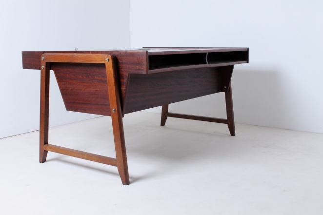 eden-clausen-and-maerus-rotterdam-amsterdam-executive-writing-large-desk-teak-roll-top-cabinet-skandinavian-modern-wood-timber-vintage-design-midcentury­-12