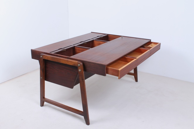 eden-clausen-and-maerus-rotterdam-amsterdam-executive-writing-large-desk-teak-roll-top-cabinet-skandinavian-modern-wood-timber-vintage-design-midcentury­-4