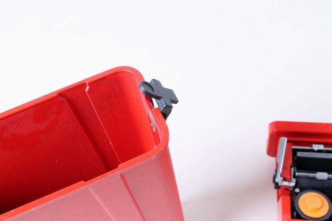 ettore-sottsass-valentine-typewriter-memphis-predict-retro-vintage-writing-machine-olivetti-red-1960ies-3