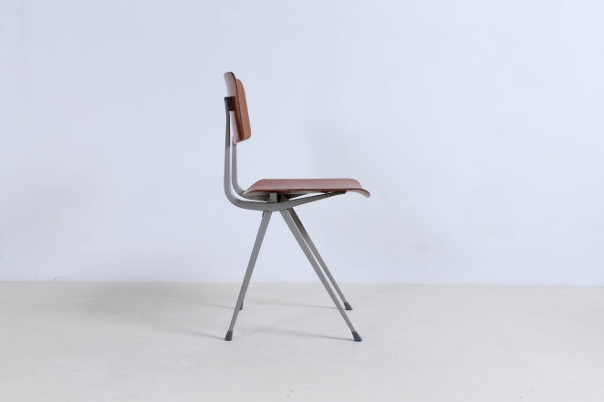 friso-kramer-result-2nd-edition-plastic-wood-ahrend-de-cirkel-vintage-cafe-restaurant-furniture-design-schoolchairs-1