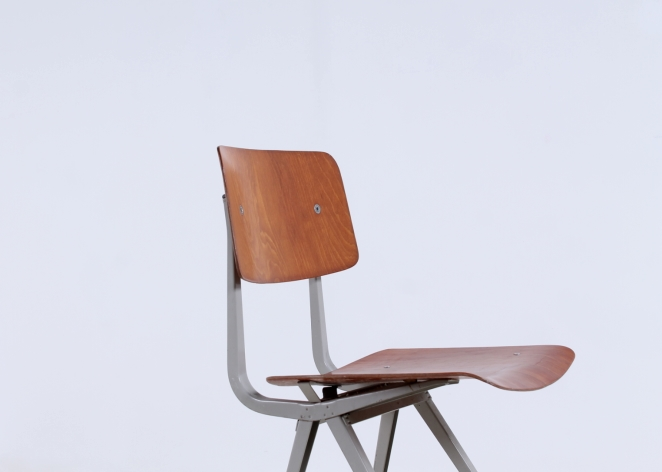 friso-kramer-result-2nd-edition-plastic-wood-ahrend-de-cirkel-vintage-cafe-restaurant-furniture-design-schoolchairs-3