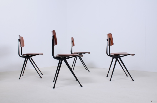 friso-kramer-result-chairs-light-black-design-ahrend-de-cirkel-dutch-design-2nd-edition-4