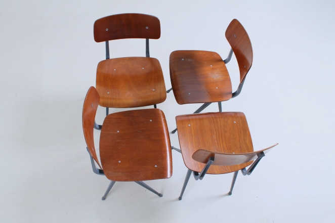 friso-kramer-result-revolt-1st-edition-teak-wood-timber-ahrend-de-cirkel-vintage-cafe-restaurant-furniture-design-schoolchairs-11