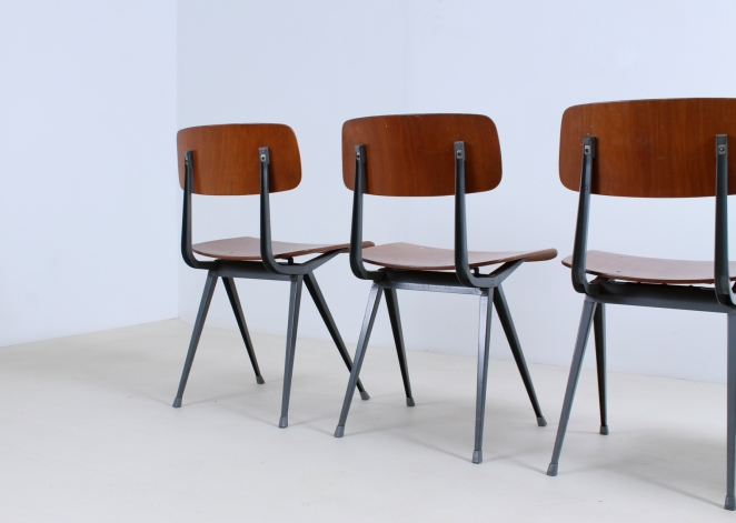friso-kramer-result-revolt-1st-edition-teak-wood-timber-ahrend-de-cirkel-vintage-cafe-restaurant-furniture-design-schoolchairs-12