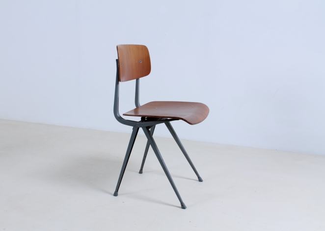 friso-kramer-result-revolt-1st-edition-teak-wood-timber-ahrend-de-cirkel-vintage-cafe-restaurant-furniture-design-schoolchairs-14