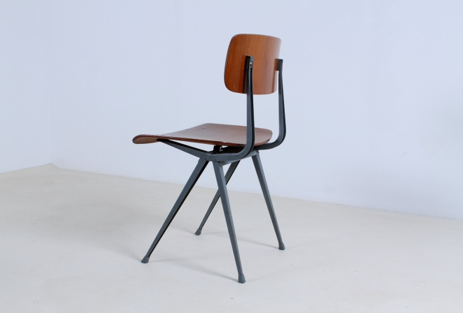 friso-kramer-result-revolt-1st-edition-teak-wood-timber-ahrend-de-cirkel-vintage-cafe-restaurant-furniture-design-schoolchairs-15