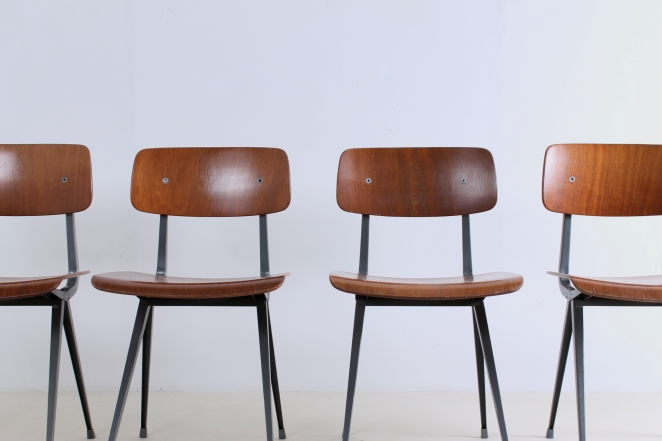 friso-kramer-result-revolt-1st-edition-teak-wood-timber-ahrend-de-cirkel-vintage-cafe-restaurant-furniture-design-schoolchairs-2