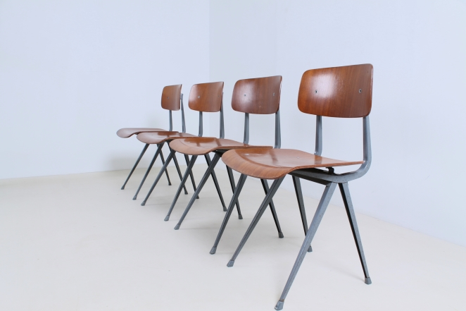 friso-kramer-result-revolt-1st-edition-teak-wood-timber-ahrend-de-cirkel-vintage-cafe-restaurant-furniture-design-schoolchairs-4