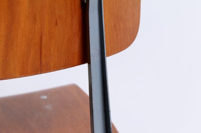 friso-kramer-result-revolt-1st-edition-teak-wood-timber-ahrend-de-cirkel-vintage-cafe-restaurant-furniture-design-schoolchairs-8