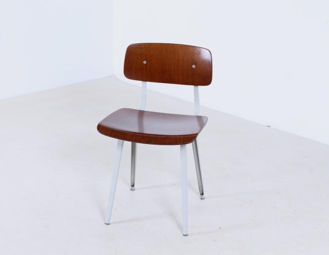 friso-kramer-revolt-timber-teak-wood-light-grey-edition-ahrend-de-cirkel-vintage-cafe-restaurant-furniture-design-schoolchairs-1