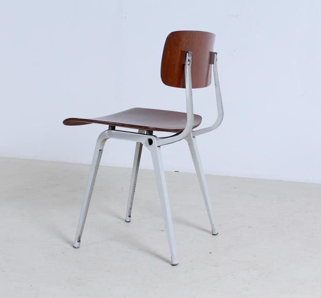 friso-kramer-revolt-timber-teak-wood-light-grey-edition-ahrend-de-cirkel-vintage-cafe-restaurant-furniture-design-schoolchairs-2