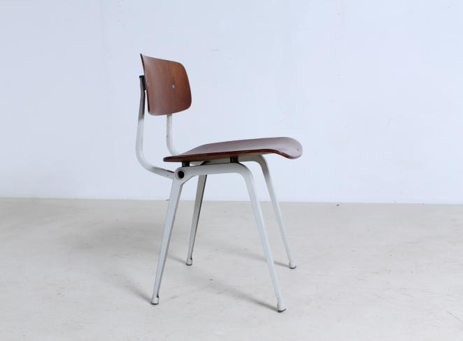 friso-kramer-revolt-timber-teak-wood-light-grey-edition-ahrend-de-cirkel-vintage-cafe-restaurant-furniture-design-schoolchairs-5