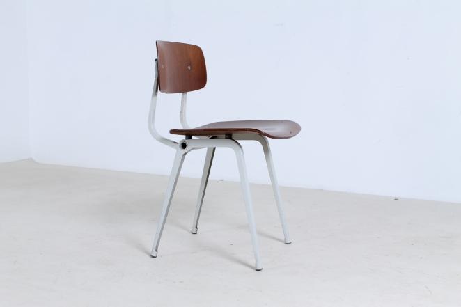 friso-kramer-revolt-timber-teak-wood-light-grey-edition-ahrend-de-cirkel-vintage-cafe-restaurant-furniture-design-schoolchairs-7