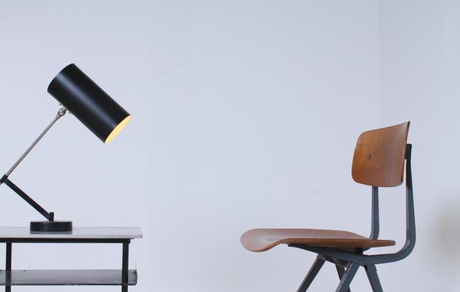 friso-kramer-wim-rietveld-ahrend-de-cirkel-schoolchairs-vintage-industrial-cafe-restaurant-store-display-material-result-first-edition-teak-dark-grey-10