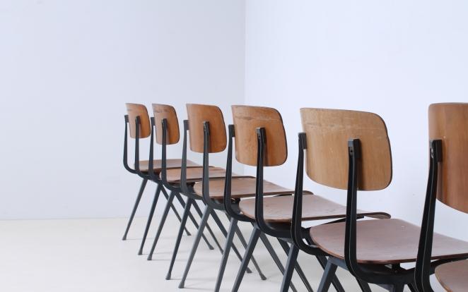 friso-kramer-wim-rietveld-ahrend-de-cirkel-schoolchairs-vintage-industrial-cafe-restaurant-store-display-material-result-first-edition-teak-dark-grey-5