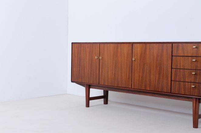 fritsho-sideboard-credenza-lowboard-brass-rosewood-palissander-commode-kast-dressoir-jaren-50-modernist-danish-style-11