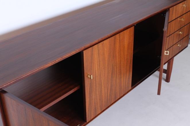 fritsho-sideboard-credenza-lowboard-brass-rosewood-palissander-commode-kast-dressoir-jaren-50-modernist-danish-style-12