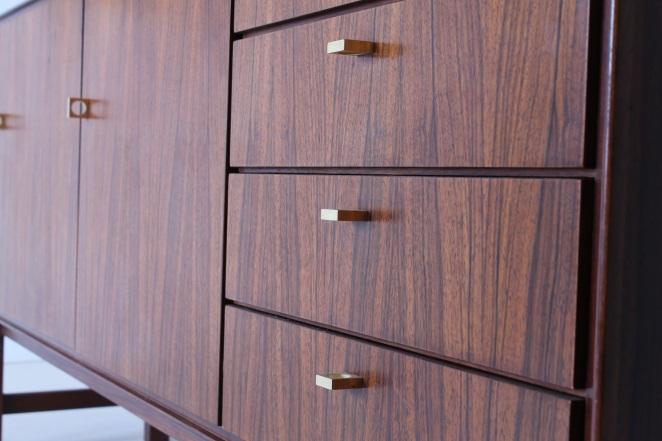 fritsho-sideboard-credenza-lowboard-brass-rosewood-palissander-commode-kast-dressoir-jaren-50-modernist-danish-style-2